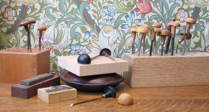 The basic tools for the wood engraver