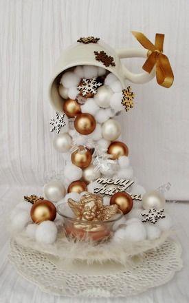 """Tasse gravity  """"Ange de Noel"""" avec ses boules de Noel et sa  guirlande sapins multicolores LED,  décor pour Noel blanc et doré, entièrement fait main.  Décorer votre table de - 19601149"""