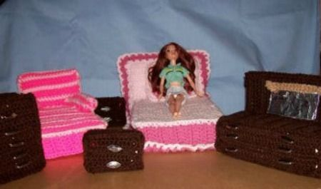 Learn how to make custom made Barbie furniture by following these crochet patterns for a bed and dresser. This guide has free crochet patterns for a Barbie bedroom set.