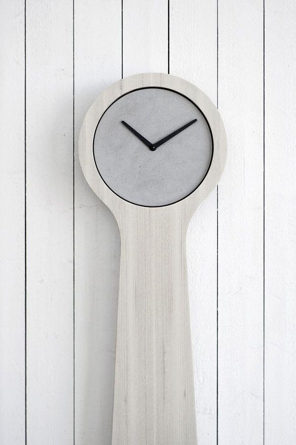 Монументальные напольные часы / Эти xcs скорее являются небольшим монументом времени, нежели чем прибором для его измерения. Необычное сочетание массивного корпуса и минималистичного дизайна.