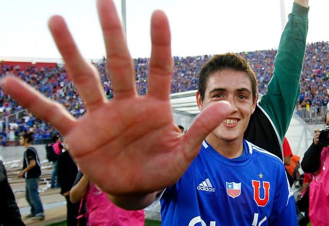 29 de Abril de 2012/SANTIAGO  Matías Rodríguez celebra su gol, durante el partido válido por la decimocuarta fecha del Campeonato Nacional de Apertura 2012, entre Universidad de Chile y Colo Colo, jugado en el Estadio Nacional  FOTO:MARIO DAVILA/AGENCIAUNO