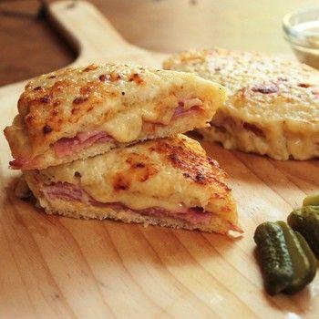 使用するパンやハムが変わると、その味自体が大きく変わってきます。 日本の角型食パン、デニッシュ、ハード系のパンなど好みによって使い分けます。