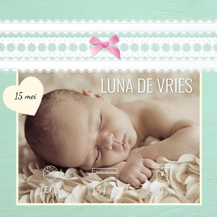 Geboortekaartje met foto, datum, tijd en gewicht
