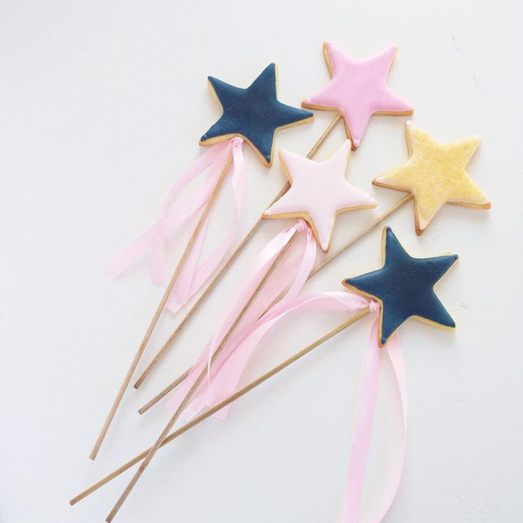 Cookie star wands perfect for a princess birthday party