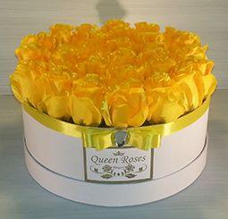 QM157/ Queen Roses sárga selyemrózsa rózsadoboz közepes