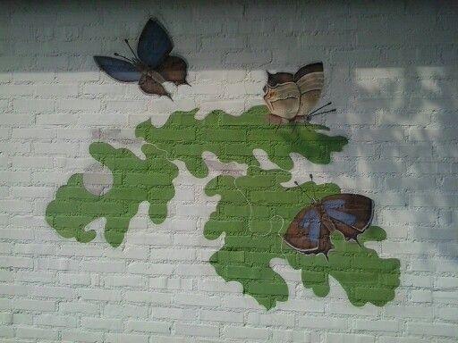 De Grondkleur van de bladeren  en de Eikenpages zijn bijna klaar!