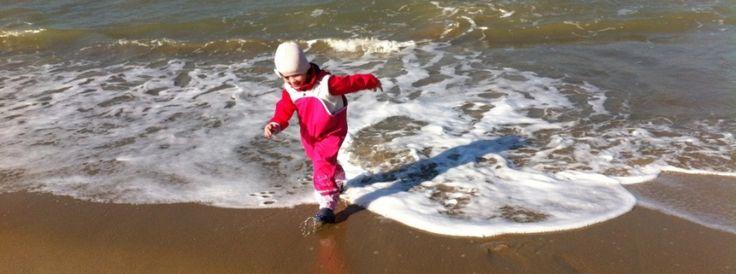 Ook in de winter kan je veel plezier hebben op het strand!