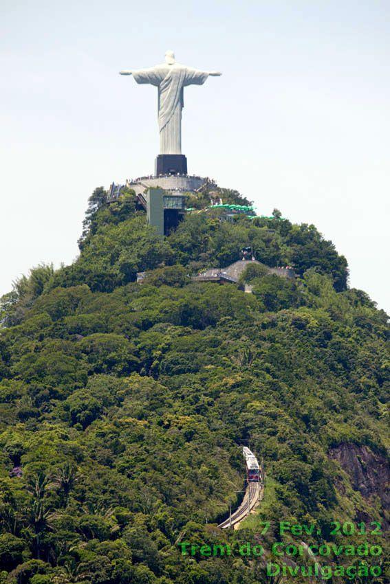 Rio de Janeiro - Trem do Corcovado na subida ao Cristo Redentor