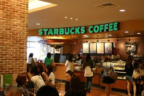 Consumenten behoeften; mensen hebben in de ochtend vaak zin in koffie
