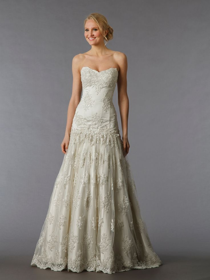 Pnina tornai bridal gown 32304651 for Lace wedding dresses with sleeves kleinfelds