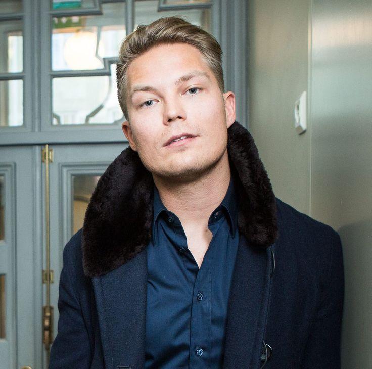 Cheek - Jare Henrik Tiihonen