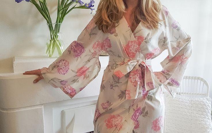 Aurora Pink Floral Kimono Robe   Knee Length   $69 aud
