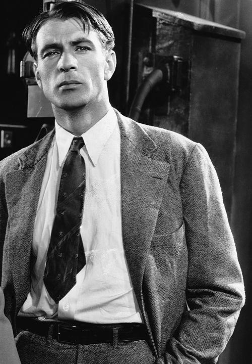 Gary Cooper in a publicity shot for Design for Living (Ernst Lubitsch, 1933)  viadeforest