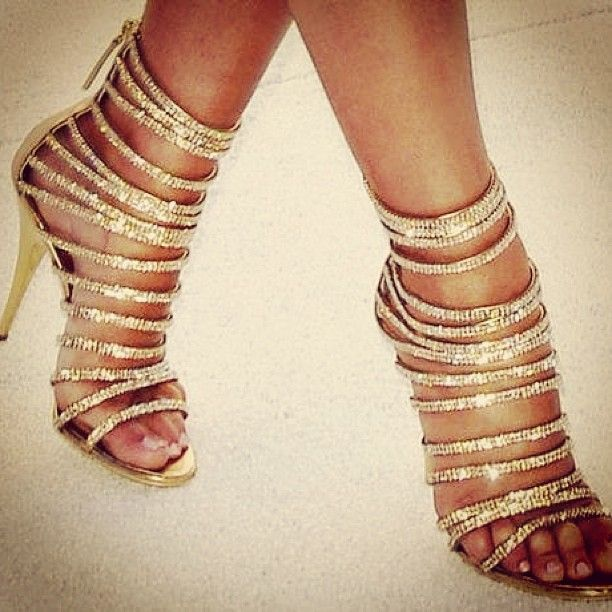Love these sparkly shoes!  500 followers by sunday Feb 23?? I ll follow you back
