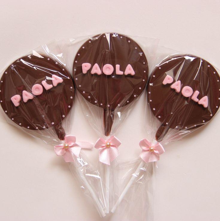 Pirulito de chocolate personalizado com nome para lembrancinha maternidade