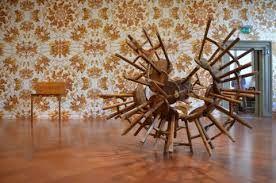 La Fondazione Palazzo Strozzi offre nel corso dell'anno un ricco programma di mostre di alta qualità e di livello internazionale.  All'interno della cornice di uno dei capolavori dell'architettura rinascimentale fiorentina, negli spazi del Piano Nobile e della Strozzina, la Fondazione organizza esposizioni d'arte che spaziano dall'arte antica al Rinascimento fino all'epoca moderna e l'arte contemporanea.