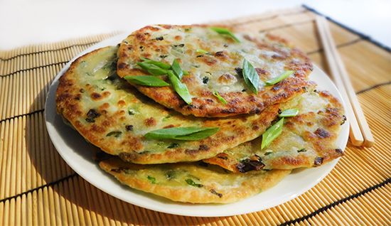 Китайские блинчики с зеленым луком. Chinese Scallion Pancakes. Тонкие, слоеные, хрустящие