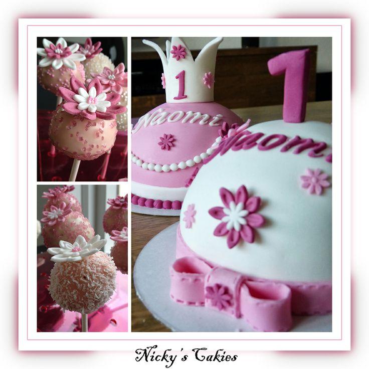 Prinsessen taart met cakepops #Prinses #roze #kroon #strik #bloem #meisje #taart #cake #cakepop