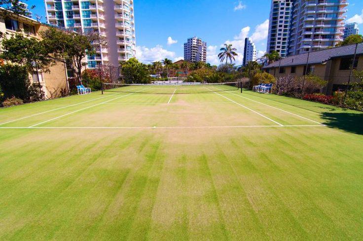 Carrington Court - Tennis Court - Main Beach Apartments