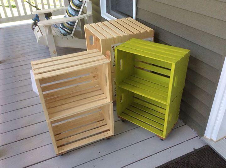Petites bibliothèques classe caisse de bois reno dépôt roulettes et peinture