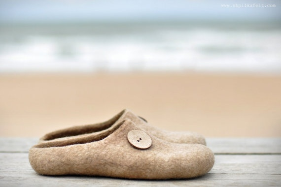 Felted slippers for woman.  On Sandy beach.  Made to order - Sandy brown / Eco Wool / Nice buttons / Handmade / Home shoes. $58.00