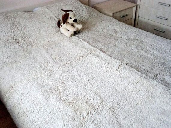 """Vintage Bulgarian Handmade Bed Cover, Traditional Bulgarian Blanket """"Kitenik"""", Sheep Wool Bed Cover, Authentic Bed Cover Ivory"""