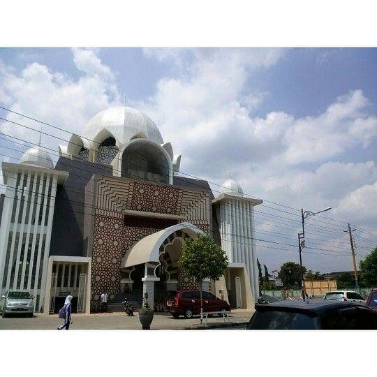 Masjid Jenderal Soedirman Purwokerto