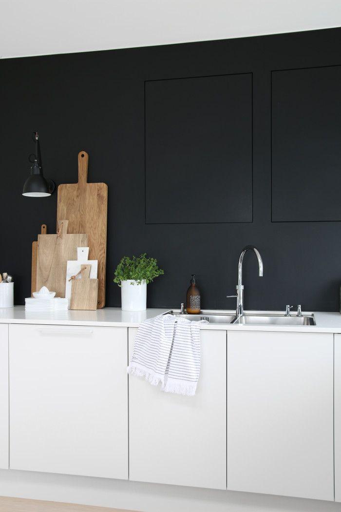 1000 idee n over witte keukens op pinterest witte keukenkasten keukens en witte granieten keuken - Keuken rode en grijze muur ...