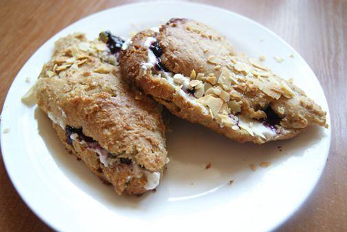 Makaron i Rodzynka: Znowu śniadanie... Pełnoziarniste scones.