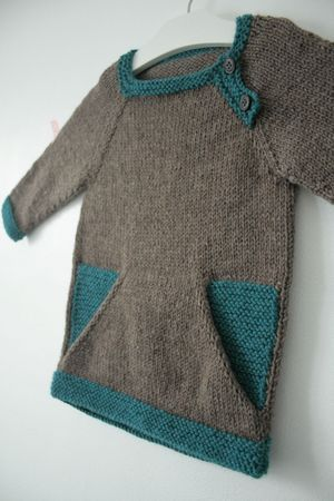 Modèle Colorblock, taille 2 ans, Cascade 220 chez Laine et tricot you can sew, and learn French too!