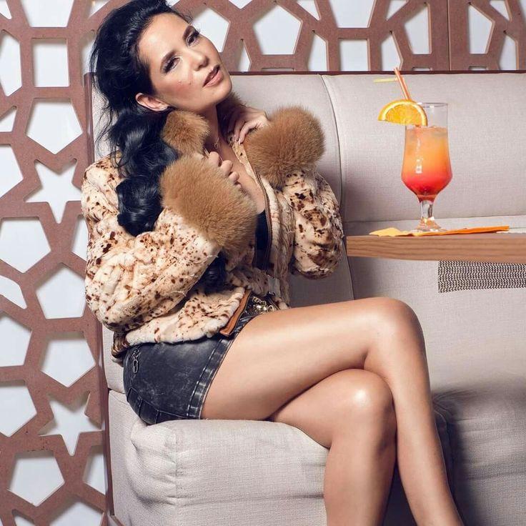 Make-up Ioana Sîrbu Foto Cozmin Paduraru *Isacco   blănuri                             Ținute &styling  Atelier Beatrice Dinu