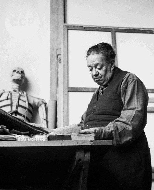 Diego Rivera (photo by Lola Alvarez Bravo) Diego Rivera Art, Diego Rivera Frida Kahlo, Frida And Diego, Clemente Orozco, Tina Modotti, Social Realism, Female Photographers, Mexican Art, Portraits