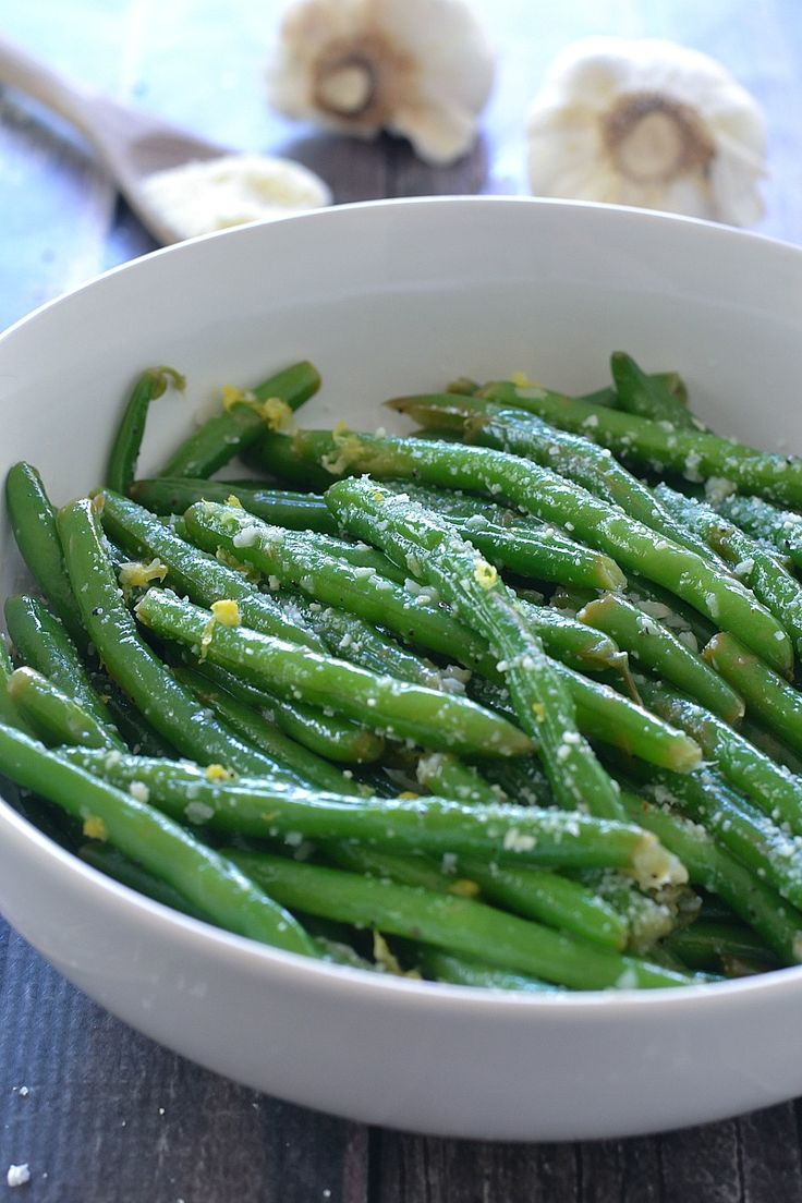 Lemon Butter Green Beans with Garlic and Parmesan   www.motherthyme.com