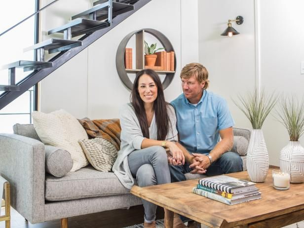 Chip and Joanna take to the high seas (well, at least Lake Waco) when they help a friend turn an old houseboat into a home, Fixer Upper-style.