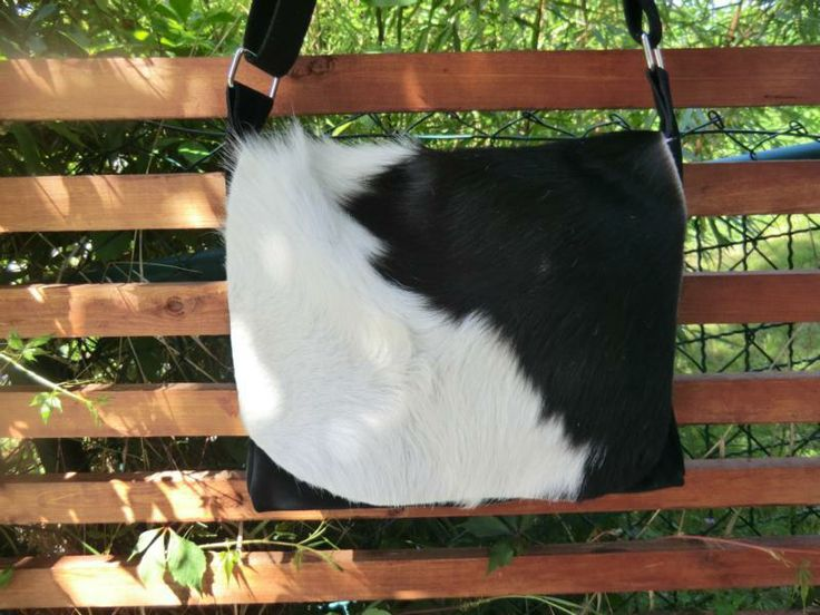 KUHIE, Kuhfell Tasche in schwarz-weiß, Wildleder von Gmischtesach:  Die Tasche mit der Kuh !! auf DaWanda.com