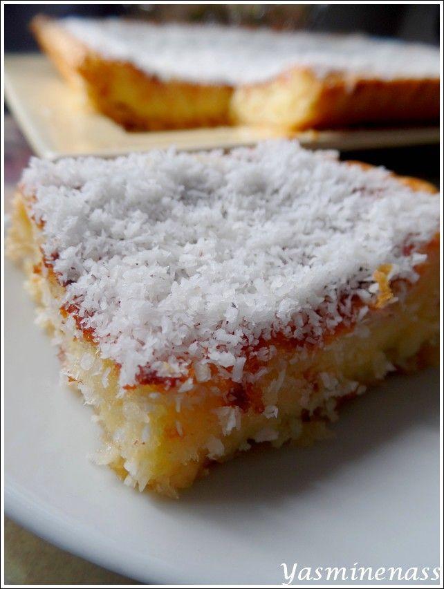 Salam alyakoum/bonjour, Aujourd'hui, dégustez avec moi cette succulente tarte à la noix de coco parfumée au citron vert, une alliance acidulée et gourmande qui vous ravira, parole de gourmande. Ingrédients : 1 pâte feuilletée toute prête 3 oeufs 250g...