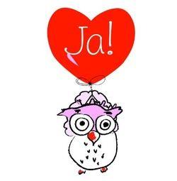 Huwelijksuitnodigingen met uil met rood hart en tekst 'Ja!' in vleugels. Kies de kaart, pas de tekst aan en vraag een gratis proefdruk op (je betaalt zelfs geen verzendkosten!). http://www.trouwpost.nl/trouwkaarten/hartjes/