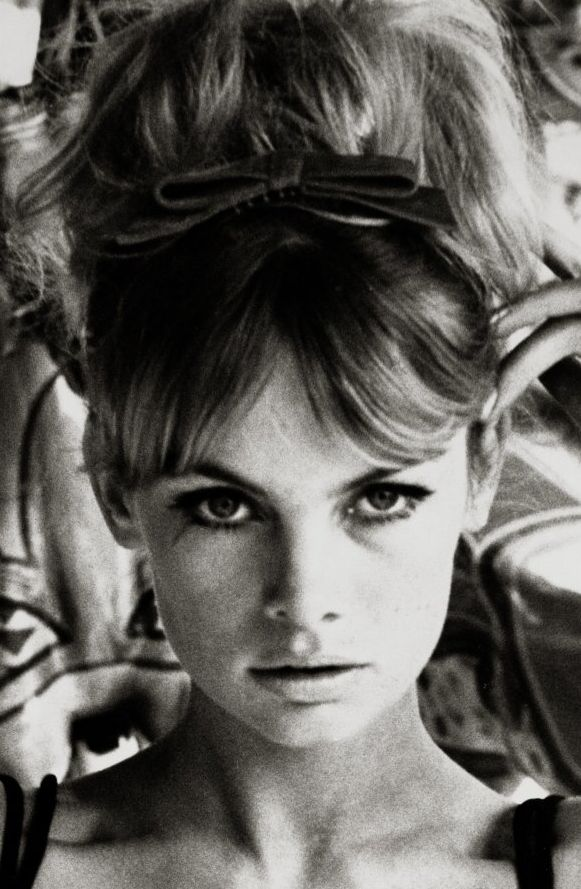 Jean Shrimpton 1962 -- Gosh, I wish I had bangs...