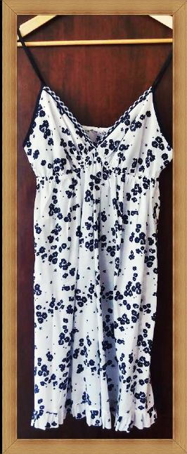 Another Facebook shot from Greece. This stylish chemise is perfect for hot summer nights.