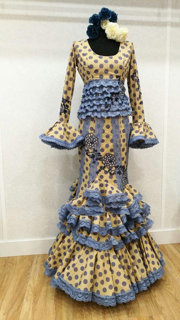 Trajes de Flamenca a la venta en nuestras tiendas de Sevilla  df7e221feb87