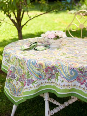 April Cornell Paris Paisley Tablecloth 36x36