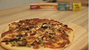 Mantarlı ve Taze Fesleğenli Pizza