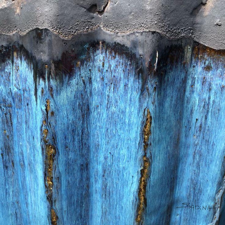 "#abstractphotography #artistlife #blue #sabinadantonio #texture  ""Urban Bloom""  #urbanabstract #abstractsbysabina #photography #texture #urbanphotography #art #photographicart #abstractart"