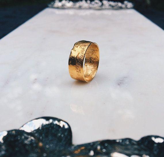 Textured Band, Rustic Ring, Gold Wedding Band, Uni…Edit description