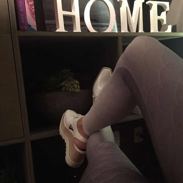 Night Out! Escamas Cinza by @gabirrossi09 .  #night#out#saturday#legging#forlegs#online#japa