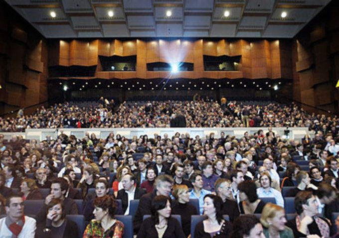 10 Things Every Film Festival Wants Filmmakers to Know | Filmmakers, Film Industry, Film Festivals, Awards & Movie Reviews | Indiewire #filmmaking #filmfestivals #indiefilm