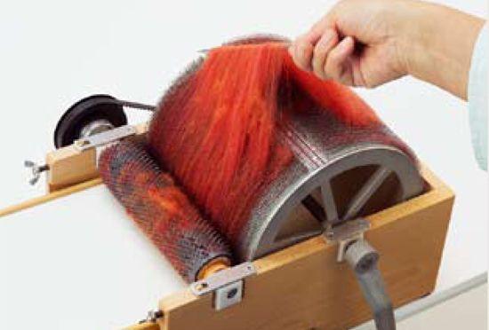 how to make an art batt on a drum carder