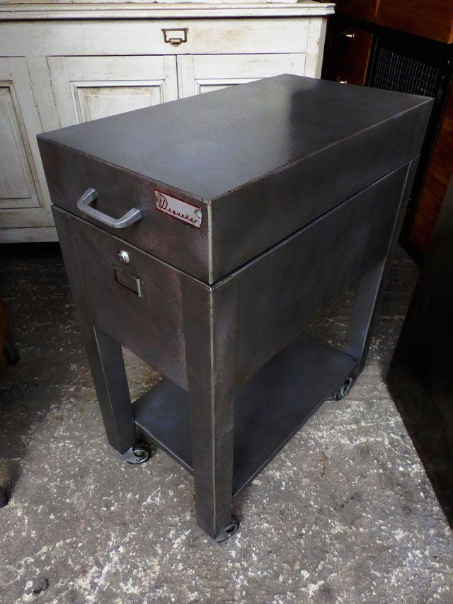 Meuble de rangement DEQUEKER 1970 meuble industriel