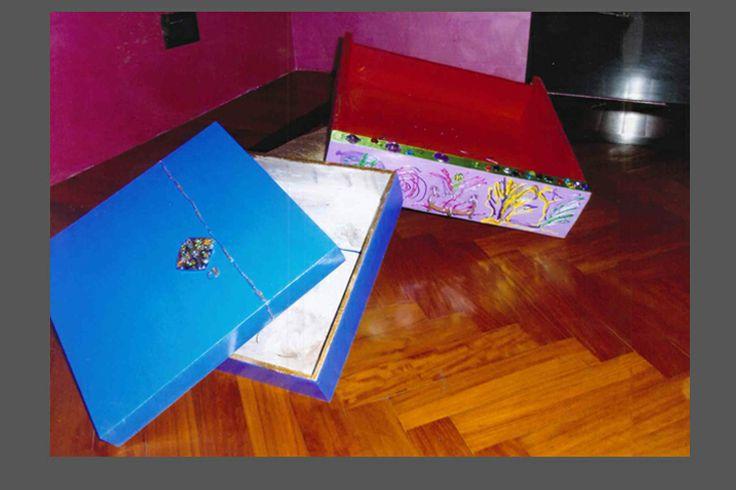 scatole e cassetti in legno decorati