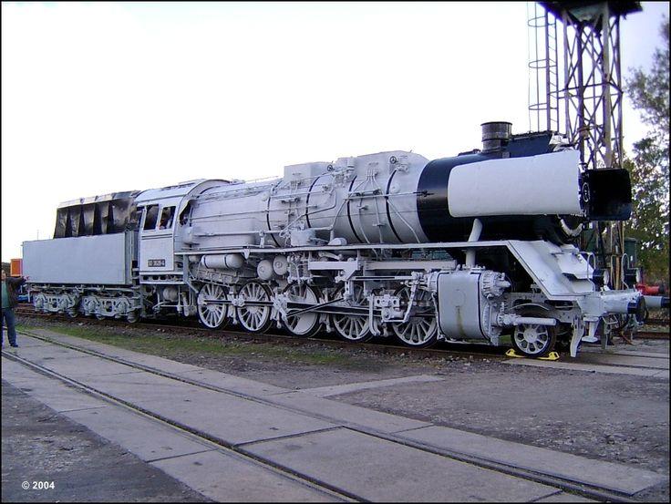 50 3626-4 a. 50 3626 a. 50 2385 DR Krauss-Maffei AG München-Allach 16260 / 1942 Thüringer Eisenbahnverein e.V. Weimar Eisenbahnmuseum Bw Weimar 09.10.2004 ---- Germany